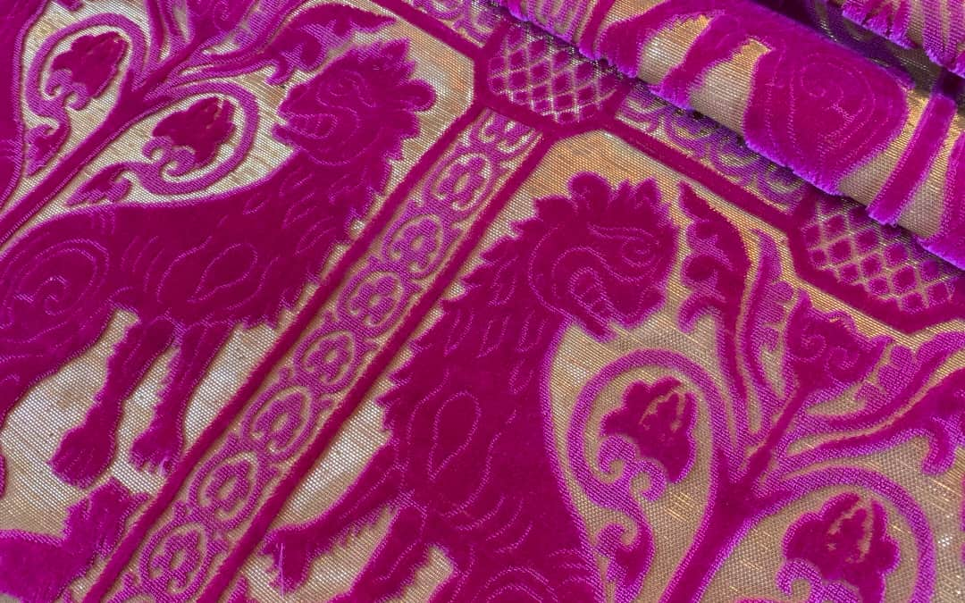 Velluto soprarizzo Leoni rosa fuchsia | Tessitura Bevilacqua