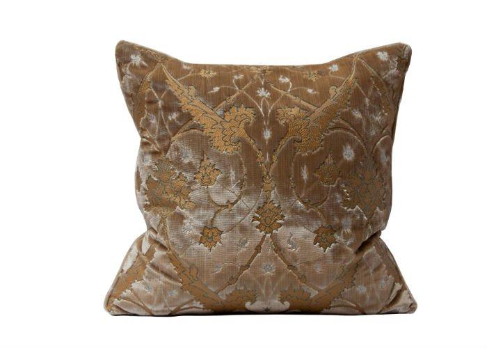 Ca' d'Oro Velvet Cushion