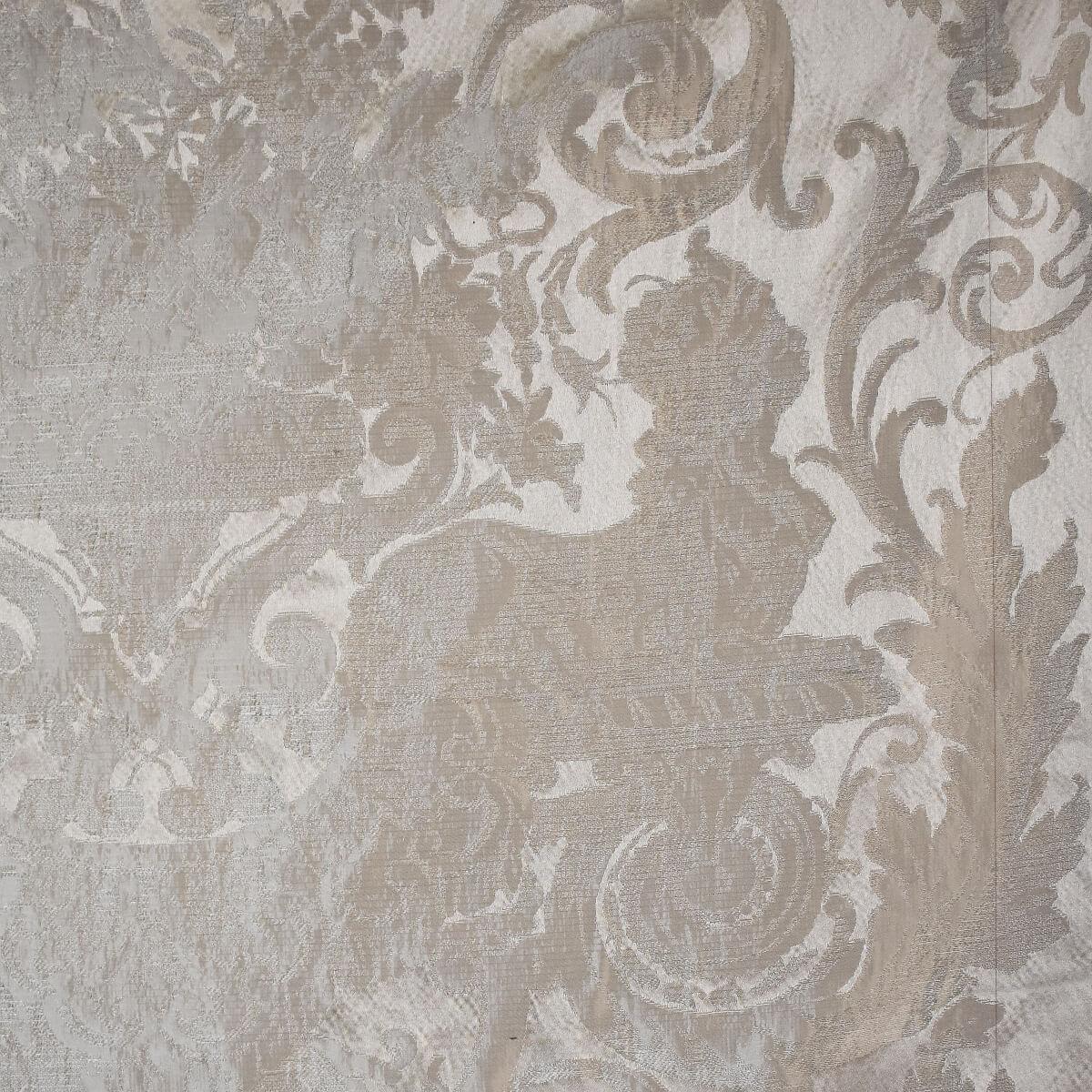 Damasco Grottesche Craquelé 356-31035 perla-grigio | Tessiture Bevilacqua
