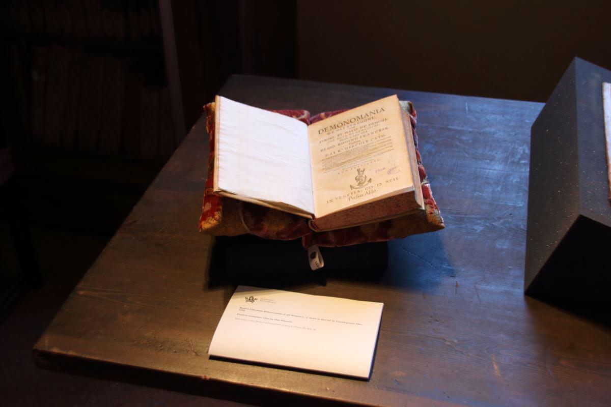 Cuscini Archivio Patriarcato Venezia-2 | Tessitura Bevilacqua
