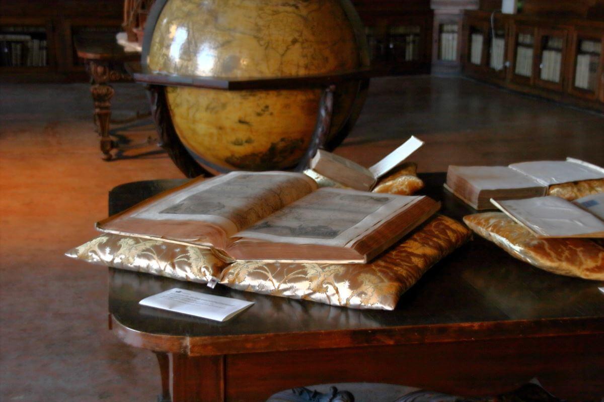 Cuscini Archivio Patriarcato Venezia-6 | Tessitura Bevilacqua