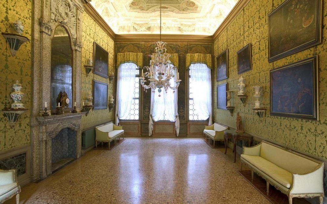 Precious fabrics bear witness to the history of the Venetian Palaces