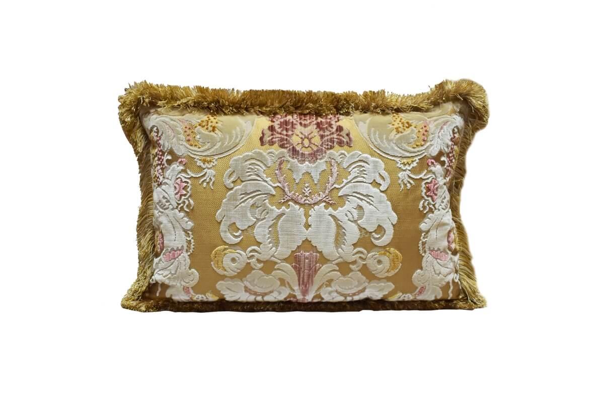 Cuscini Beige Per Divano cuscini per divani: origini di un accessorio che fa la
