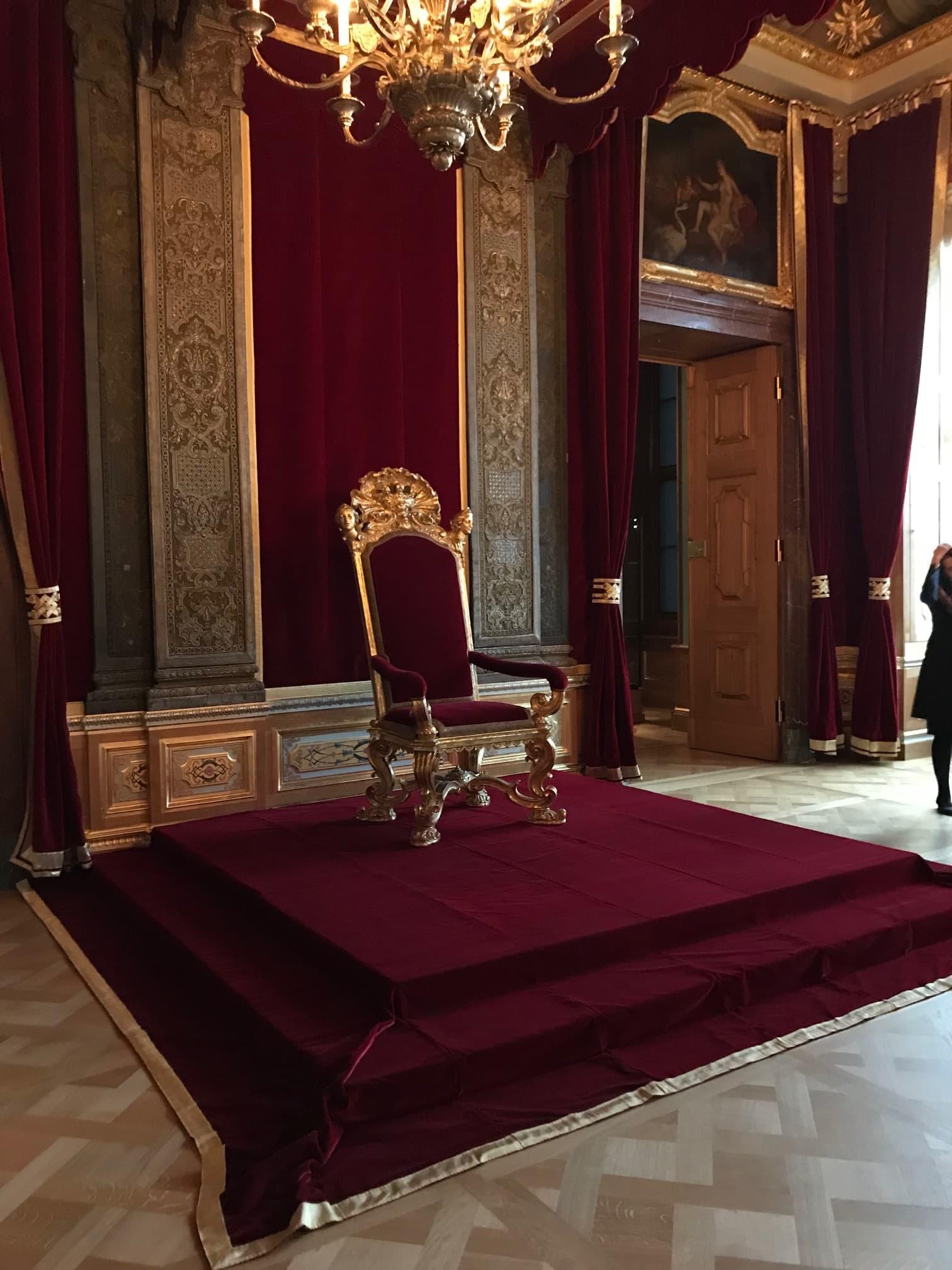 Trono Palazzo residenziale Dresda Velluto rosso | Tessitura Bevilacqua