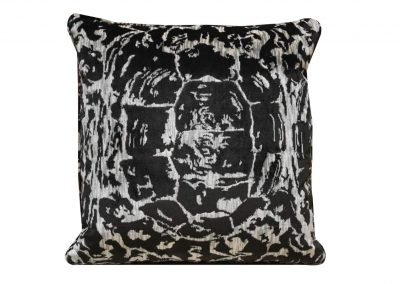 Tartaruga Velvet Cushion