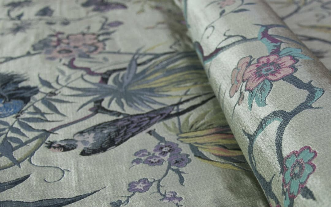Lampas: a fabric with sumptuous decorations