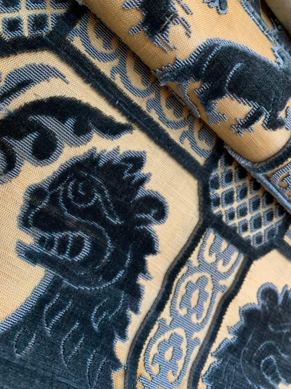 Leoni velluto soprarizzo indaco | Tessitura Bevilacqua